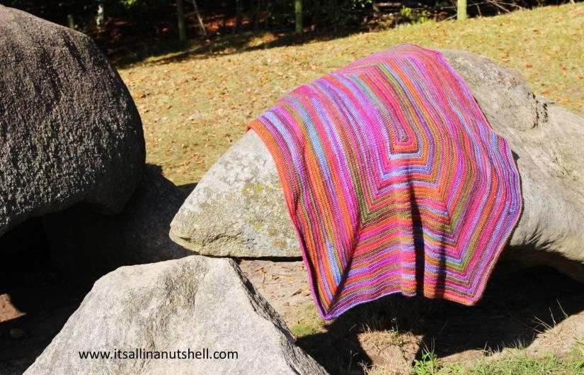 Merry-go-Round - Free Crochet Blanket Pattern - It's all in a Nutshell